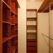 garderoba na wymiar, półki, szuflady, drążki
