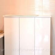 szafka łazienkowa lakierowana na wysoki połysk