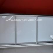drzwi przesuwne z białego szkła