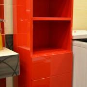czerwona szafka do łazienki, drzwi na zawiasach, mdf lakierowany, połysk
