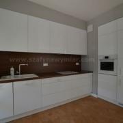 białe meble kuchenne lakierowane
