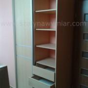 szafa, wnętrze półki i szuflady