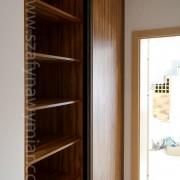 szafa wnękowa, półki, drzwi przesuwne