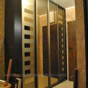 szafa z drzwiami przesuwanymi, piaskowane lustra