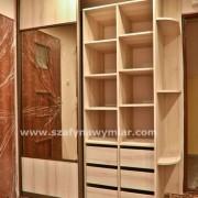 szafa w przedpokoju, półki zaokrąglone, szuflady