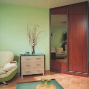 szafa w rogu pomieszczenia, drzwi przesuwne łączone, komoda do salonu
