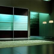 szafa wolnostojąca, drzwi przesuwne podświetlane, płyta łączona ze szkłem