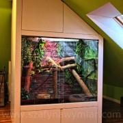 terrarium zabudowane MDF'em lakierowanym na wysoki połysk