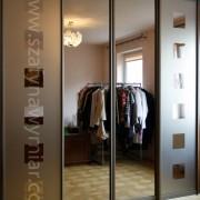 drzwi przesuwne z brązowego lustra