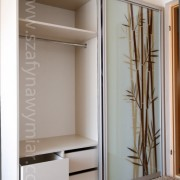 szafa wolnostojąca, drzwi z fototapetą, szuflady