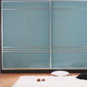 szafa wnękowa, drzwi przesuwne, srebrne lustro i lustro piaskowane