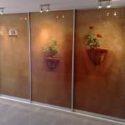 szafa wnękowa, drzwi z fototapetą, podświetlane drzwi