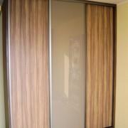 szafa wolnostojąca, drzwi przesuwne z płyty i z lacobelu